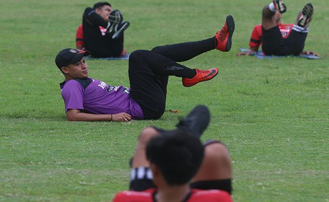 bali united, liga 1, coach yogi, wisata alam, refresh fisik