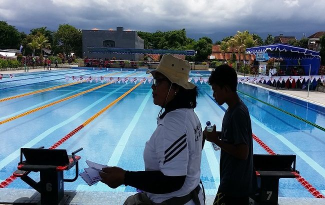 rehab kolam renang, kolam renang nirmala, tribun kolam renang, standar nasional, disdikpora buleleng, program pen