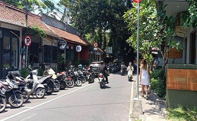 pandemi covid-19, polres gianyar, hotel tutup, restoran tutup, kampung turis ubud, gencar patroli