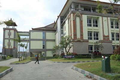RS Bali Mandara dulu digadang-gadang sebagai RS internasional yang bekerja sama dengan RS asing dalam manajemen untuk mendukung wisata medis.