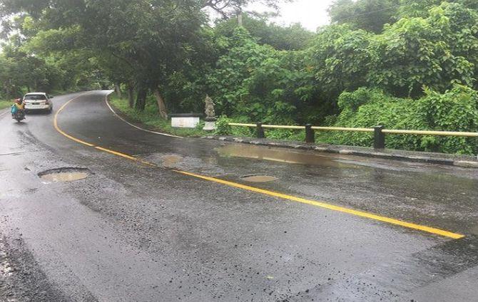 jalan rusak, 168 jm, jalan di tabanan, duit habis, harapan perbaikan musnah, pemkab tabanan, bkk provinsi, dak pusat