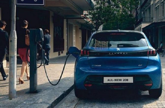 kendaraan listrik, pln bali, 67 spklu, mobil listrik, motor listrik