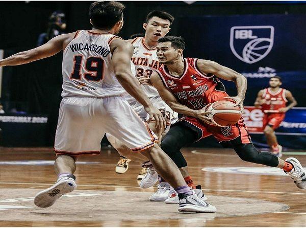 bali united basketball, ibl 2021, pelita jaya, koming fall out, tri fall out