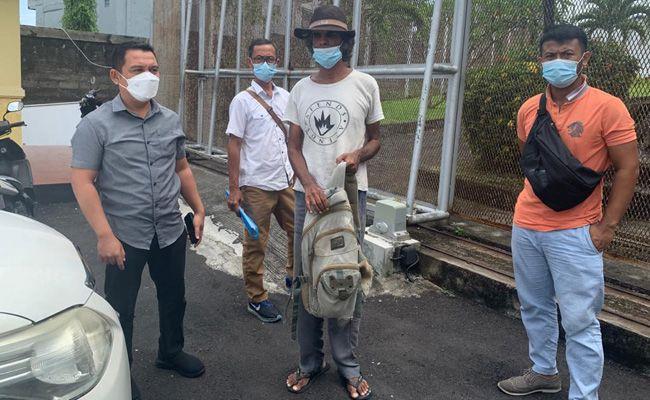 Pradeep Kumar dibawa ke Imigrasi Denpasar