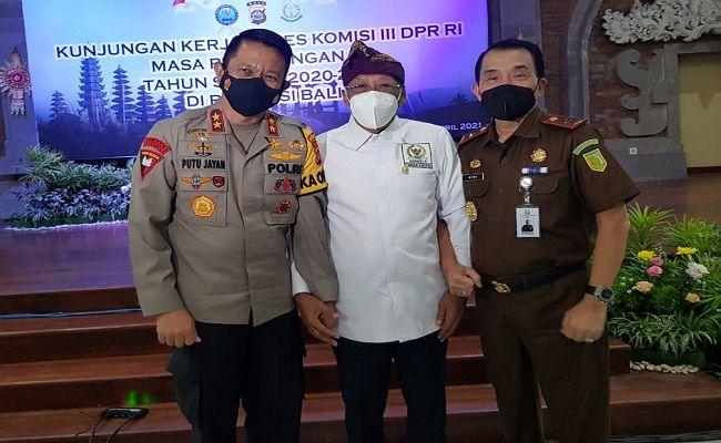 Kunker Komisi III, Komisi III DPRRI, Fraksi PDIP, Wayan Sudirta, Kapolda Bali, Kapolda Putu Jayan, plt Kajati Bali, Restorative Justice, kasus sulingg