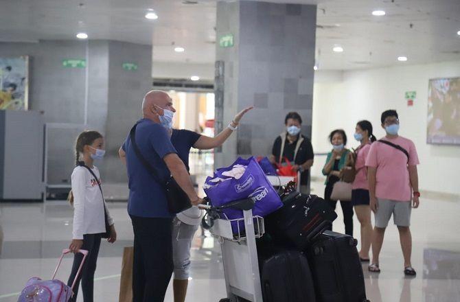 pariwisata bali, penerbangan internasional, bandara ngurah rai, syarat terpenuhi, wagub cok ace, bank indonesia