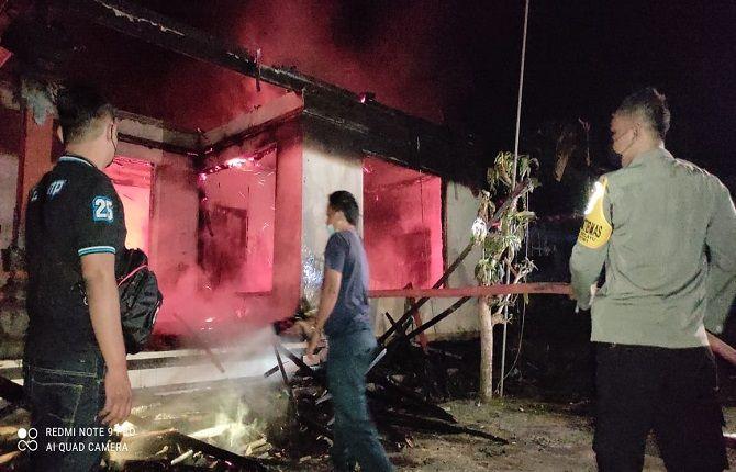 musibah kebakaran, rumah style bali, warga marga tabanan, barang berharga, polsek marga, damkar tabanan