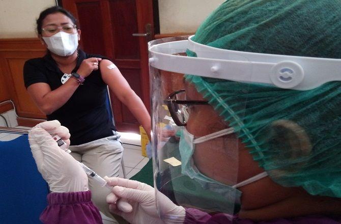 vaksinasi covid-19, herd immunity, satgas covid-19 denpasar