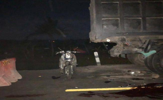 lakalantas tewas, pemotor tewas, motor tabrak truk, tabrak truk parkir, Polres Karangasem, pengendara scoopy tewas,
