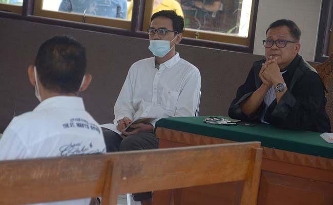 Yuri Pranatomo, terdakwa, pemalsuan akta otentik, PN Denpasar, Hendar Giacomo Boy Syam,