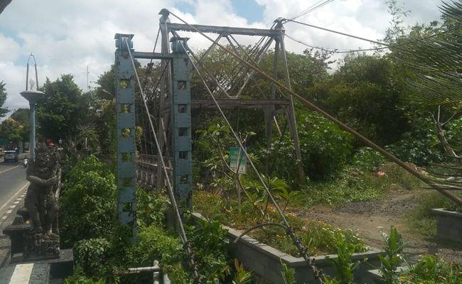 Jembatan gantung, peninggalan Belanda, Sukawati, Gianyar, jadi tempat wisata,