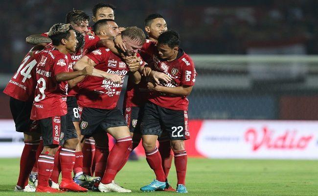 Bali United, Kerdit Kediri, Liga 1, Serdadu Tridatu, Macan Putih, Bali Unted Persik,