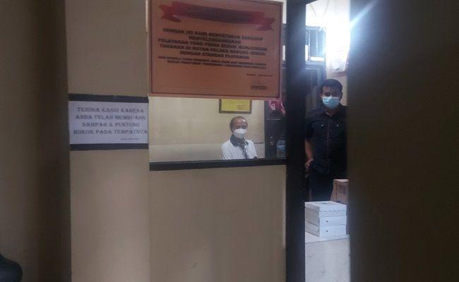 zaenal tayeb ditahan, tersangka kasus pemalsuan, pemalsuan akta autentik, promotor tinju, penangguhan penahanan, PN Denpasar, sidang Zaenal Tayeb,