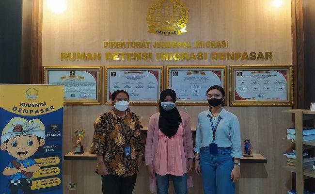 wanita asal Malaysia, WNA Malaysia dideportasi, NKRI, Kanwilkumham Bali, Bandara Soetta, ilegal, Rudenim Denpasar, Sumbawa Besar,  kantor Imigrasi,