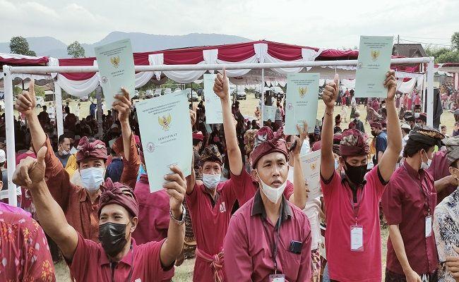 Konflik Puluhan Tahun, Warga Desa Sumberklampok, Kecamatan Gerokgak, Presiden Joko Widodo, Gubernur Bali Wayan Koster, Ketua DPRD Bali Nyoman Adi Wiry