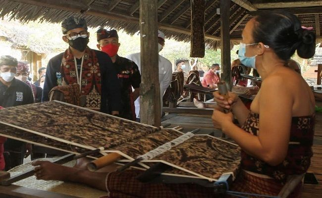 Menparekraf RI, Sandiaga Salahuddin Uno, pengerjaan kain tenun gringsing, Desa Tenganan,