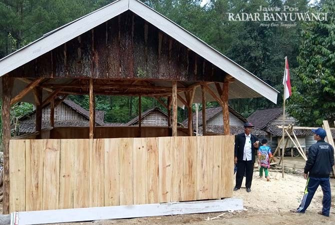 KECIL: Bangunan rumah belajar Tunas Harapan di Dusun Tlocor, Desa Jambewangi, Kecamatan Sempu yang dibuat belajar siswa SDN 7 Jambewangi.