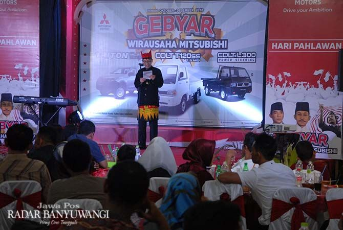 SAMBUTAN HANGAT: Untuk menjalin silaturahmi antar pelanggannya, PT MBM Banyuwangi menggelar Gebyar Wirausaha LCV Selasa (13/11) di Istana Gandrung Kabat.