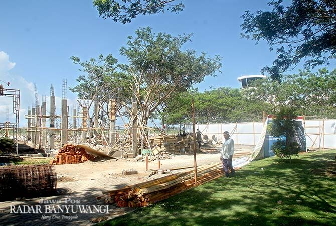 IN PROGRESS: Kondisi terkini proses pembangunan terminal internasional Bandara Banyuwangi yang menempati gedung VIP milik Pemkab Banyuwangi.
