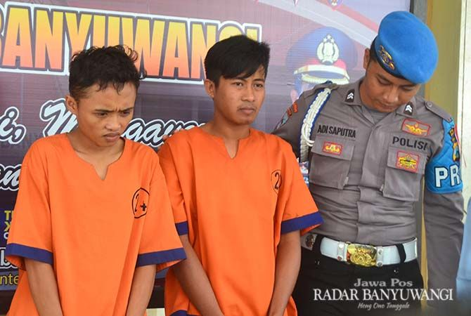 BANDAR KAKAP: Aprinka Brian Bolista (kanan) dan  Ardian Noviyanto alias Opi dijebloskan ke tahanan setelah kedapatan transaksi sabu-sabu