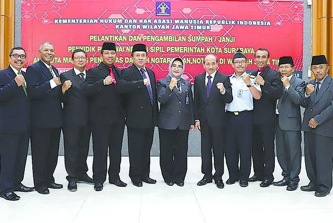 DILANTIK: Ketua MPDN Kabupaten Banyuwangi dan Situbondo Sugihartoyo (paling kiri) bersama jajarannya dan MPWN Jatim.