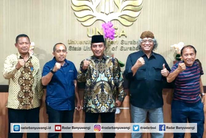 MASUK PENGPROV : Agus Sujiyono (dua dari kiri) menjadi tim formatur Pengurus Provinsi PASI Jatim periode 2021-2025