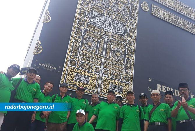 REPLIKA: Pengurus KBIH Masyarakat Madani yang kemarin (5/2) berkunjung ke Firdaus Fatimah Zahra, Semarang.