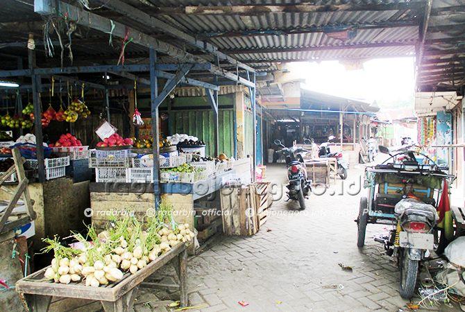 SEPI: Kondisi Pasar Sroyo terdapat beberapa lapak pedagang. Tahun ini, dimasukkan dalam salah satu pasar yang akan direvitalisasi.