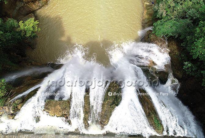 DIKELOLA DESA: Wisata Air Terjun Nglirip di Desa Mulyoagung, Kecamatan Singgahan yang belum menyumbang pendapatan asli daerah.