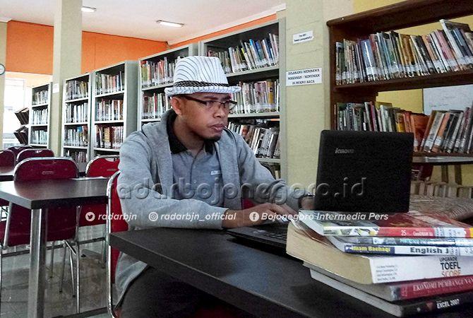 SEMINGGU MINIMAL POSTING DUA TULISAN: Isnaini Khomarudin, salah satu blogger asal Lamongan yang mendapatkan uang jutaan rupiah dari blognya.