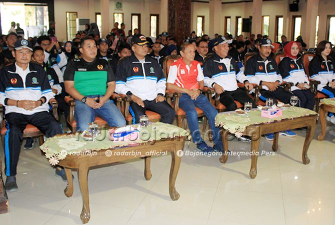RESMI DIBUBARKAN: Bupati Lamongan dan jajaran forkopimda menghadiri pembubaran kontingen Porprov Lamongan di Pendapa Lokatantra kemarin (13/9).