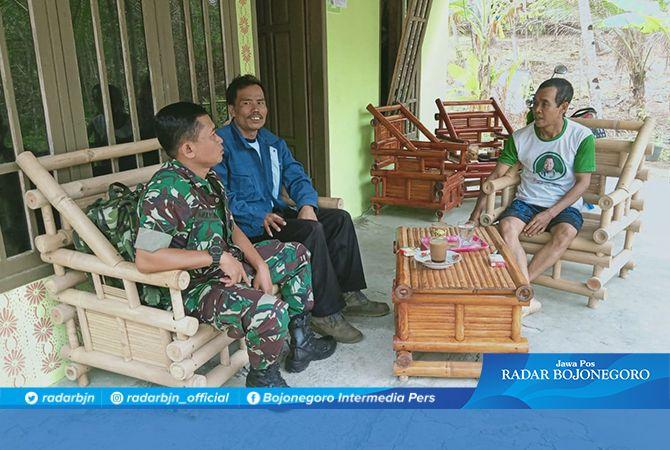 Silaturahmi ke Warga Desa Terus Dilakukan Sertu Mulyono
