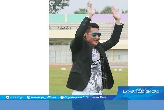 Fahmi Fikroni, Manajer Persatu