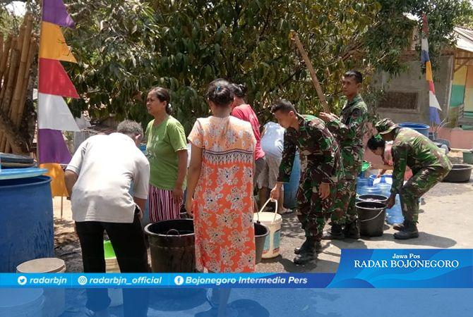 Bantuan Air Bersih Dari PDAM, Diserbu Warga Dusun Kalirau