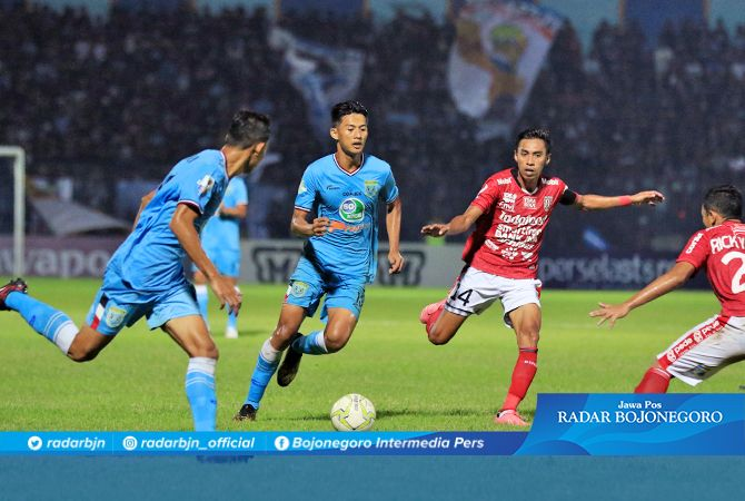 SUKSES CURI POIN : Di laga putaran kedua tadi malam di Bali, Persela mampu menahan imbang Bali United 1-1.