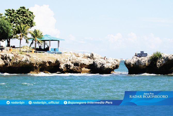 MASIH TERPURUK : Salah satu destinasi wisata di Wisata Bahari Lamongan (WBL) yang sepi pengunjung, sebagai dampak pandemi Covid-19.
