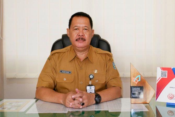 Plt Kepala SMAN 5 Tuban Drs. Nuryono, M.Si