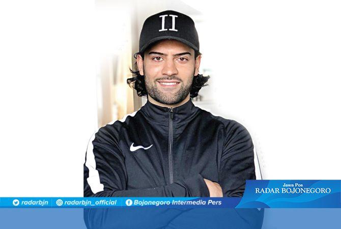 BELUM BERGABUNG: Jabar Sharza sudah didaftarkan sebagai pemain Persela pada Liga 1 2021.