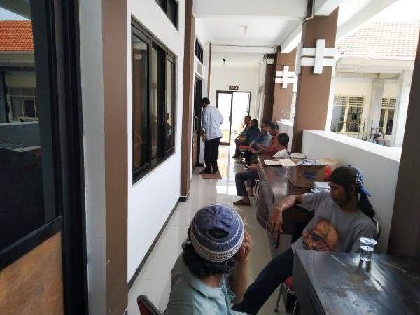 Suasana depan ruangan pemeriksaan di kantor Kejaksaan Negeri Jombang