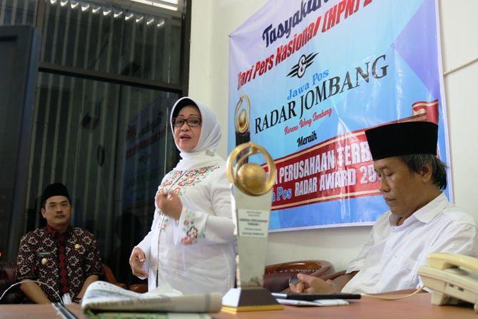 Bupati Jombang Hj. Munjidah Wahab saat memberikan sambutan.