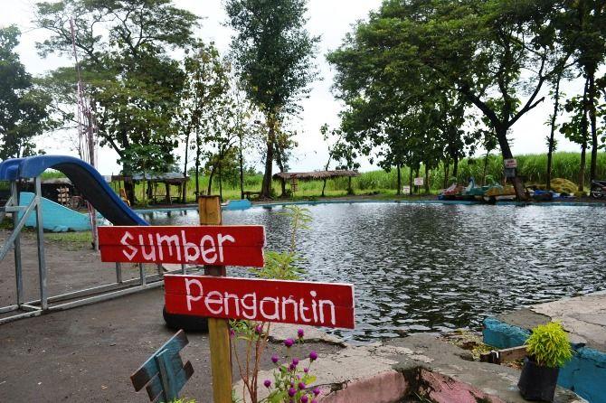 Sumber Pengantin di Dusun Sumber Penganten, Desa/Kecamatan Jogoroto, Kabupaten Jombang, masih minim perhatian meski mulai berubah lebih baik.