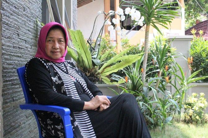 Nyai Hj Farida, istri dari KH Salahuddin Wahid, pengasuh pesantren Tebuireng.