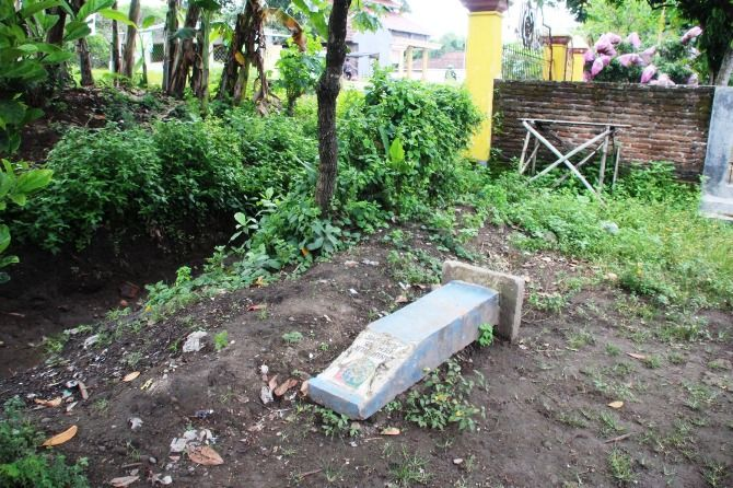 Kondisi salah satu pal aset tanah milik Pemkab Jombang di Desa Madiopuro, Kecamatan Sumobito yang tak terawatt.