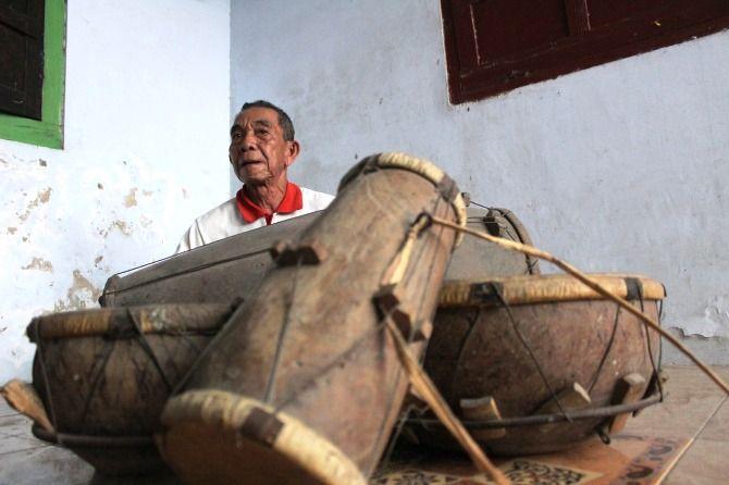 Badri, sang penjaga kesenian kentrung Jatimenok
