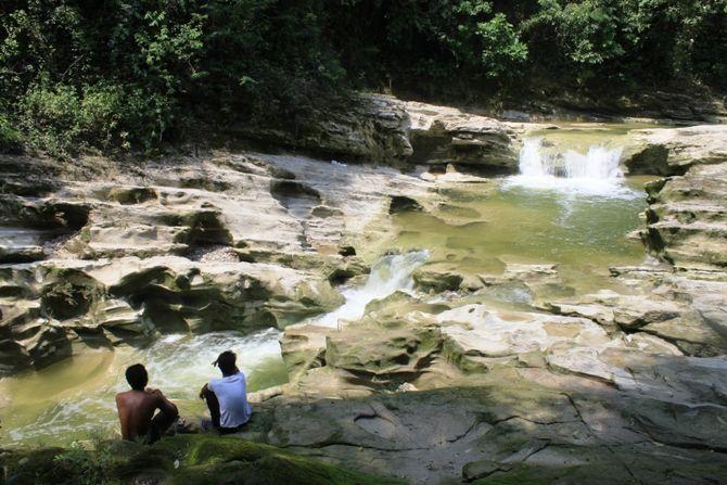 Kondisi wisata kedungcinet sepi. Selama musim hujan lokasi wisata ditutup.