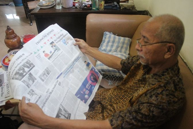 Samaun, salah satu pembaca setia Jawa Pos asal Desa Candimulyo, Kecamatan Jombang.