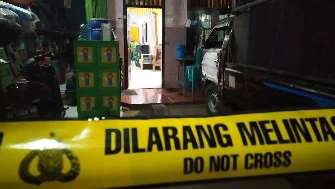 Rumah yang menjadi TKP pembunuhan sadis seorang suami kepada istrinya di Desa Rejoslamet, Kecamatan Mojowarno.