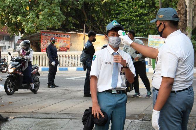 ILUSTRASI: siswa SMA di Jombang.