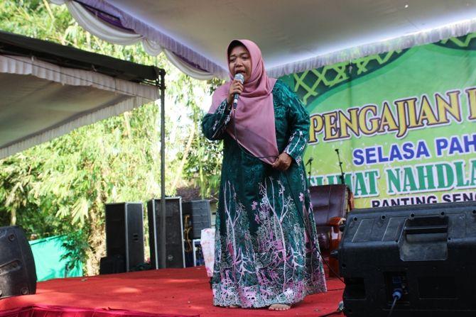 Nurul Abidah, adalah salah satu dai kondang Jawa Timur asli Jombang.