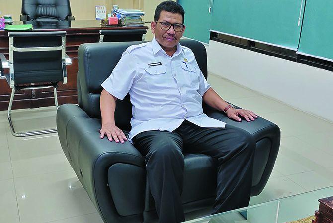 Kepala Dinas Koperasi dan Usaha Mikro Jombang Muntholip